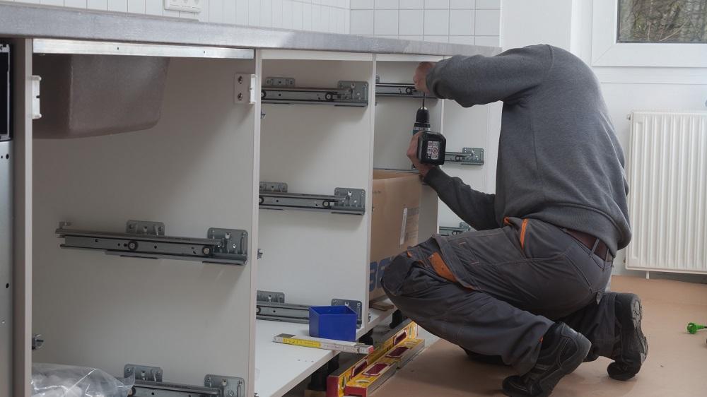 Poseur de meubles et d'équipements d'intérieur H/F